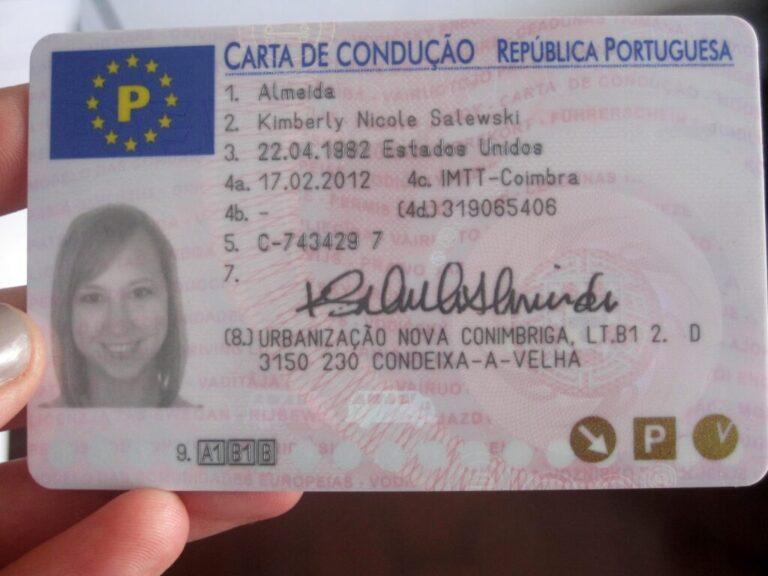 uma carteira de motorista portuguesa registrada